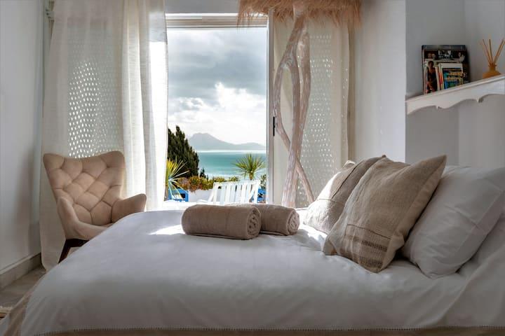 Ethnic Chic Villa - Breathtaking sea front view