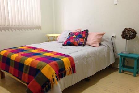 Cozy bedroom in La Condesa - Ciudad de México