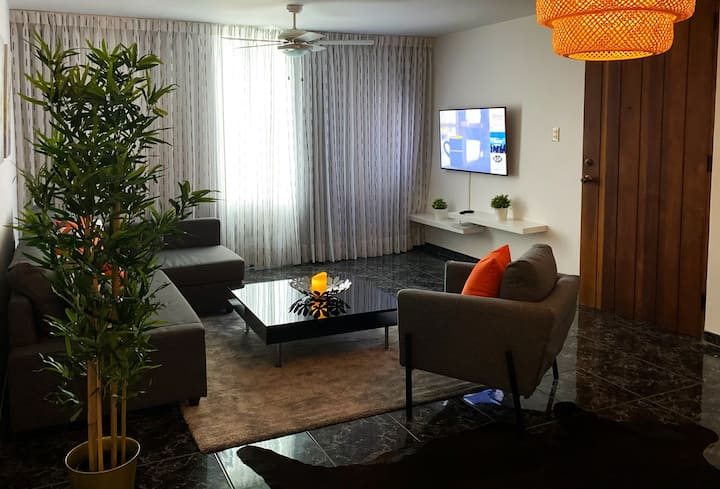 H1-4 Best Location in Santiago 10 min from Airport