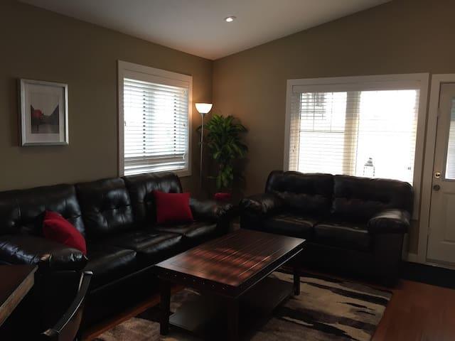 Executive Condo - Professionally Managed - Regina - Wohnung