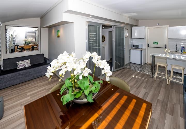 B Guest Penthouse