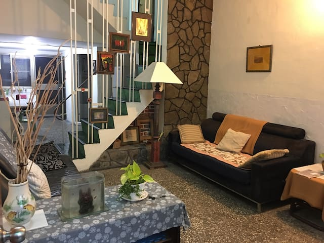 試營運超超低價 市區包棟一天竟然只有1500元 三個房間,5月調漲喔! - Xinxing District - House
