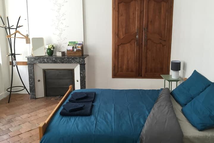 Chambre confortable - Village bords de Loire