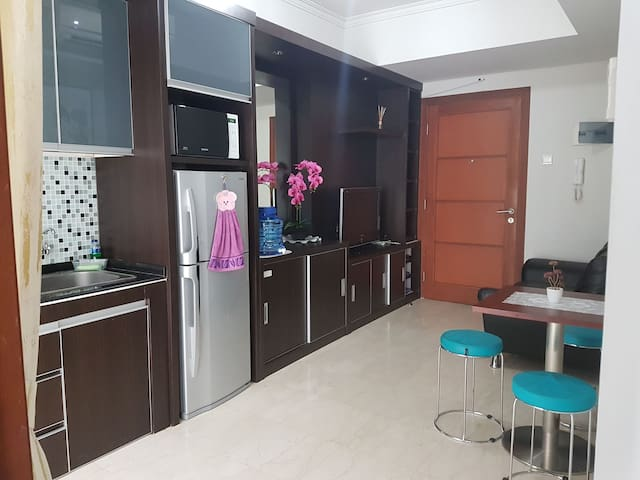 Be Our Guest @ Apt Royal Mediterania Garden (2BD) - Grogol petamburan - Daire