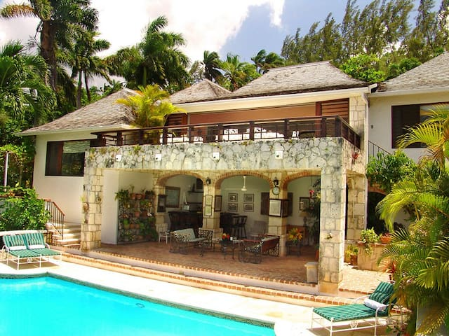 Fairwinds at the Tryall Club - Ideal for Couples and Families, Beautiful Pool and Beach - Montego Bay - Villa
