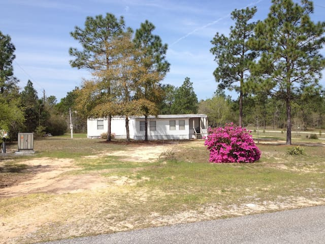 2 BR Mobile Home in Country PETS ok Playroom! - Crestview - Overig
