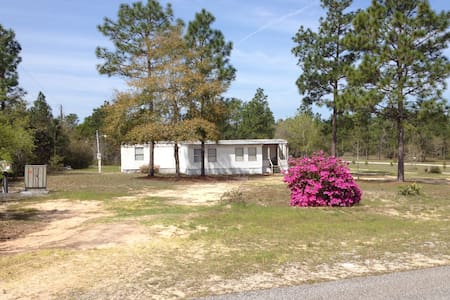2 BR Mobile Home in Country PETS ok Playroom! - Crestview