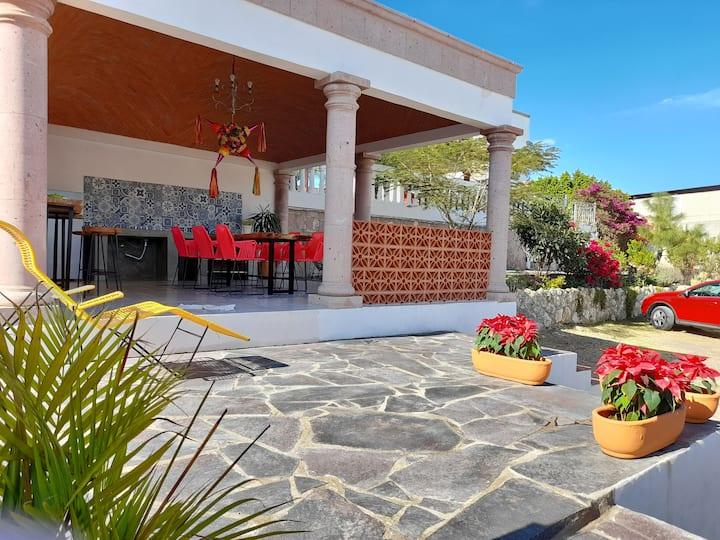 Habitación Independiente Jardín las palmas 4