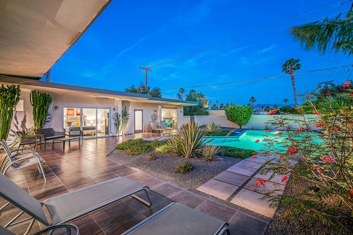Private Mid Century Casita in Central Palm Springs