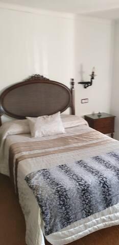 Habitacion con baño en piso particular
