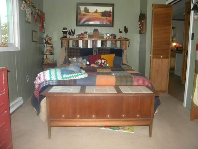 Comfy and cozy room - Danbury