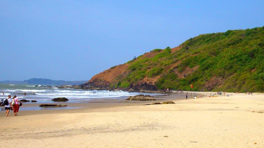 OYO - Cosy Beachside Cottage in Morjim, Goa (On Sale!!)