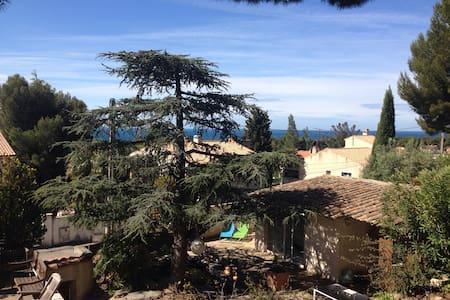 Chambre indépendante dans jardin - Sausset-les-Pins
