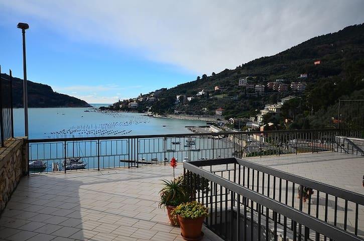 Casa panoramica 50 mt dal mare - Portovenere - Departamento
