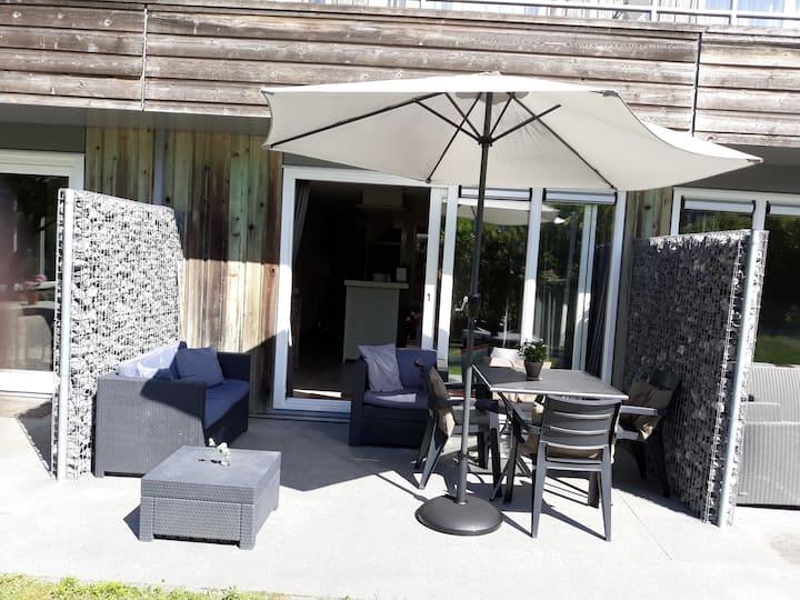 Heerlijk 2 kamer appartement met fijn terras