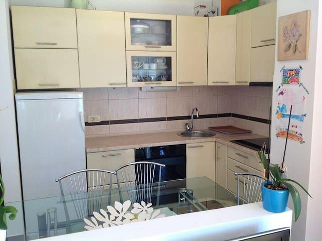 70m2 3rooms Отличная квартира - Petrovac
