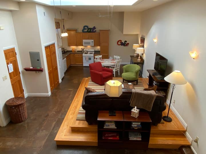 Loft at Shenandoah: Delicious Light and Comfort