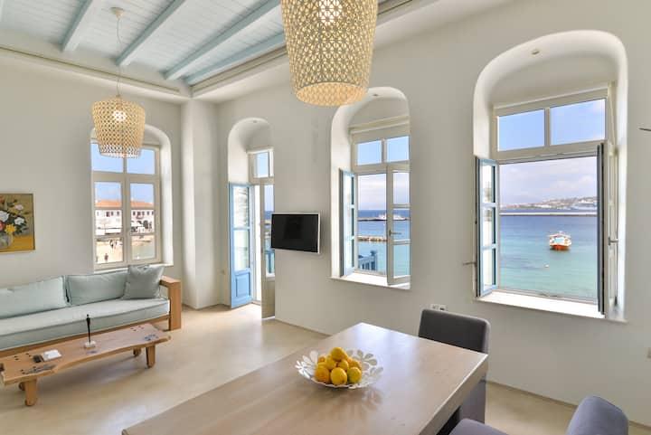 White Memories, seafront luxury apartment Mykonos
