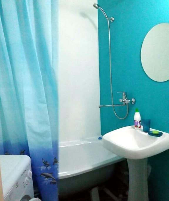 Свежий ремонт,ванные принадлежности.