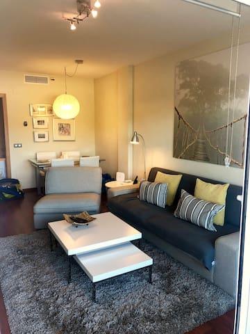 Cozy2 bedroom, 2bathroom , wifi