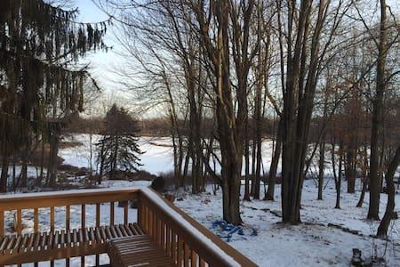 Perfect 5BDR Lakehouse Getaway - Long Pond