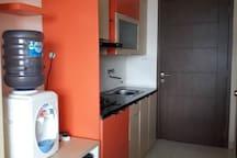 Kitchen set lengkap dengan kompor,  alat masak dan penyedot asap