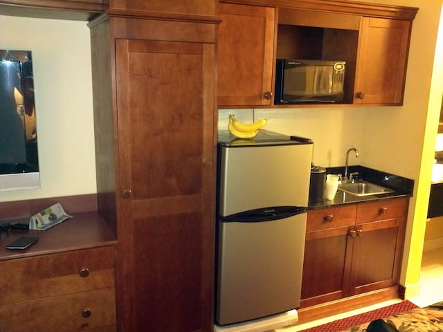 Room in Baymont in and  suites Celebration. - Kissimmee - Dorm