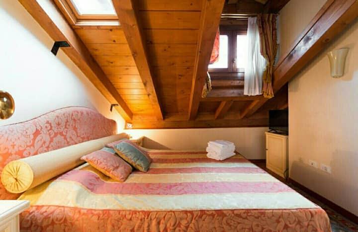 Artemisia Room