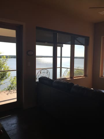 Secluded Apt. on the Lake with Incredible View! - Fort Worth - Apartemen