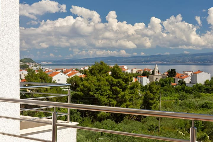 Sea View apartment in Stobreč - Stobreč - Dom