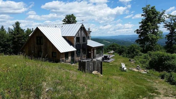 Spectacular Solar Powered Mountain Home