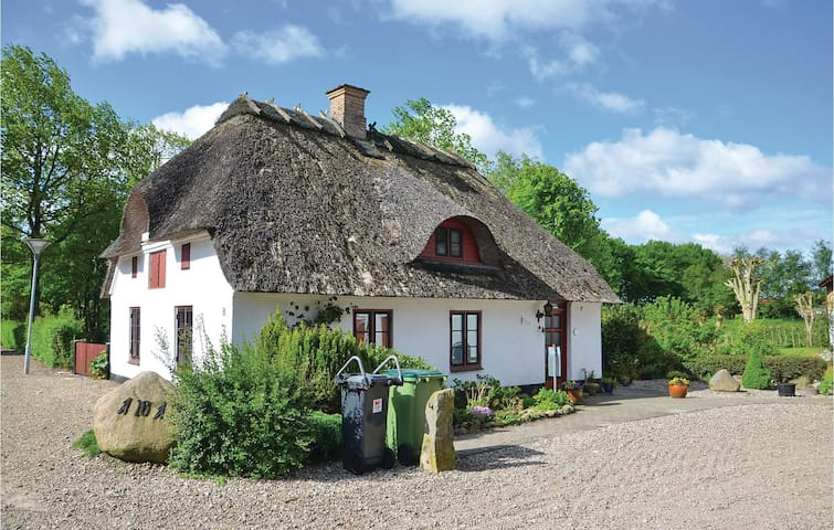 Holiday cottage with 2 bedrooms on 110m² in Kruså