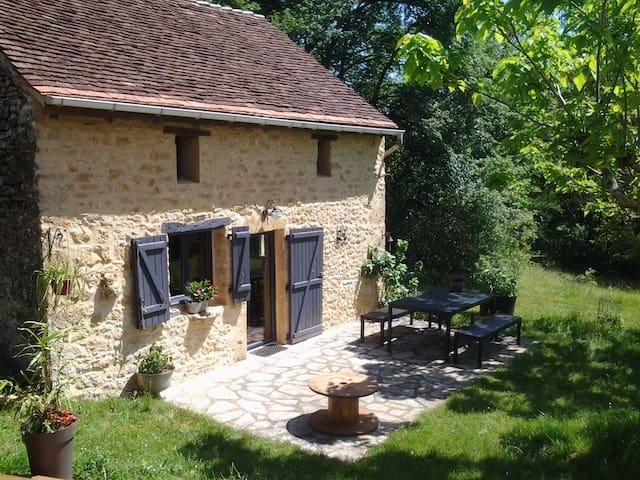 Petite maison dans la prairie - PISCINE PRIVEE