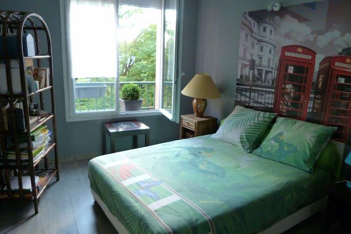 Calme et confortable chambre, literie neuve - Le Mans - Leilighet