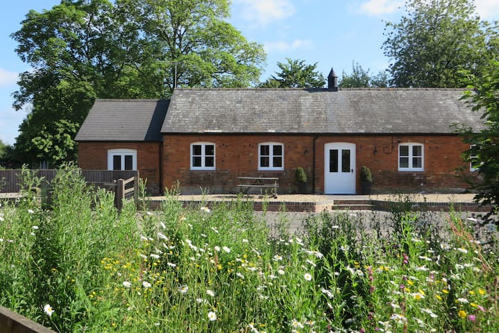 The Stables quality self catering,  Marlborough