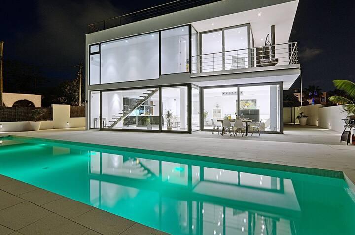 Luxury Villa Cristal for 6 people