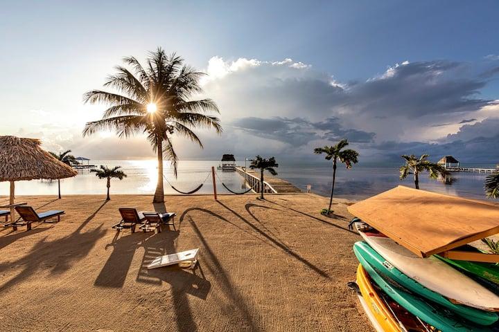 ♡ Hol Chan Reef Resort | Top floor oceanfront!