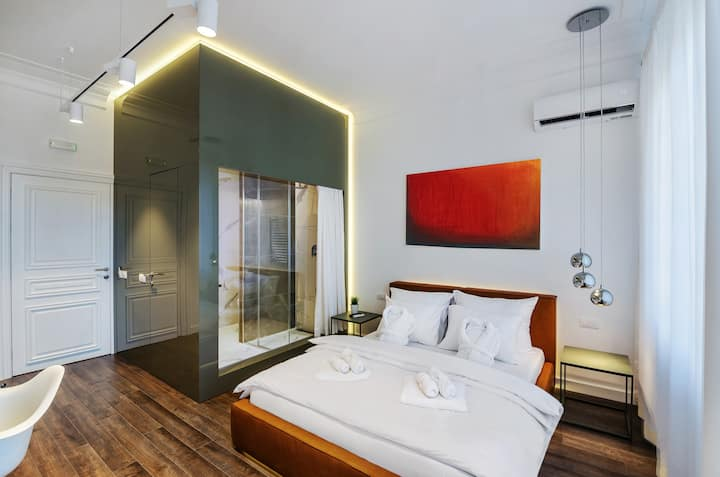 Room 25/1- Executive Rooms & Suites