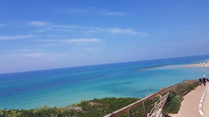 Netanya-3P-neuf-centre ville-balcon-plage