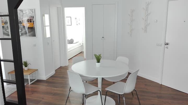 Sunny apartment in central Almada (Lisbon area)