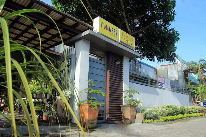 TWINEES CASITAS Room #1 - Bacolod City - 家庭式旅館