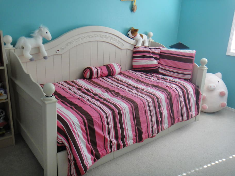 Twin bed without pulling out the second bed.