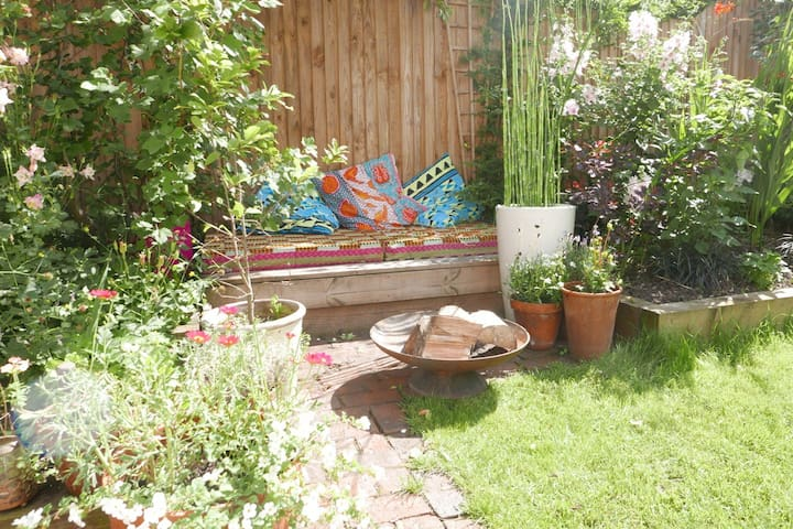 Quiet garden flat in trendy! Peckham - Londyn - Apartament