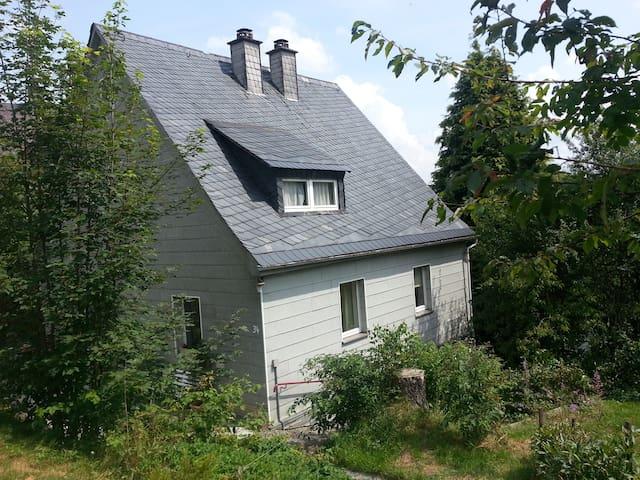 Casa Franconia - bis 6 Pers. mit Klavier/Flügel - Nordhalben - Talo