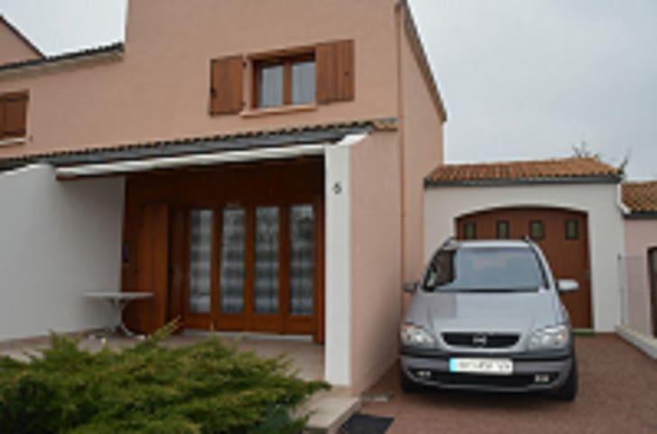 Maison avec jardin à 800 mètres de la plage. - Saint-Palais-sur-Mer - Hus