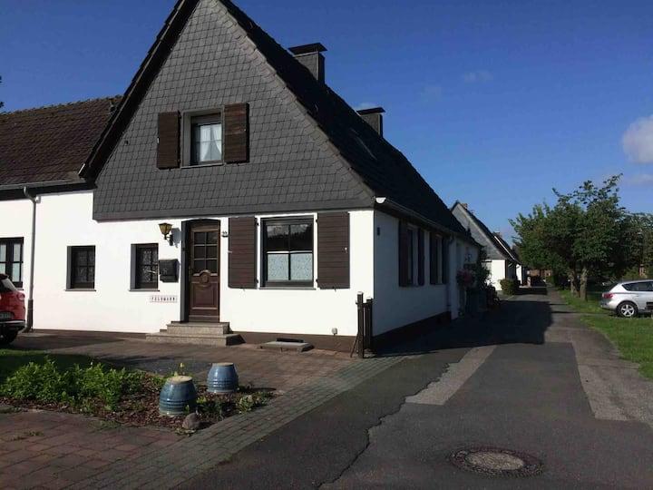 Wohnung in Uerdingen für 1-3 Personen nähe Messe