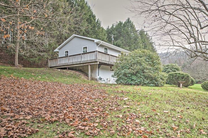 New! Lovely 3BR Catawissa House on 10 Acres!
