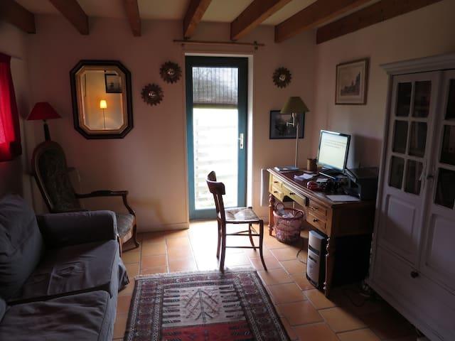 très grande maison à la campagne - Saint-Laurent-des-Hommes - Rumah