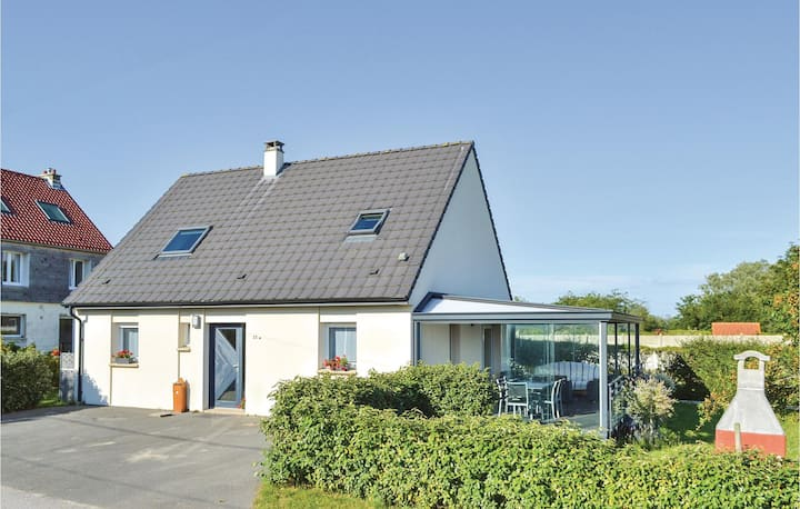Nice home in Ambleteuse with WiFi and 3 Bedrooms