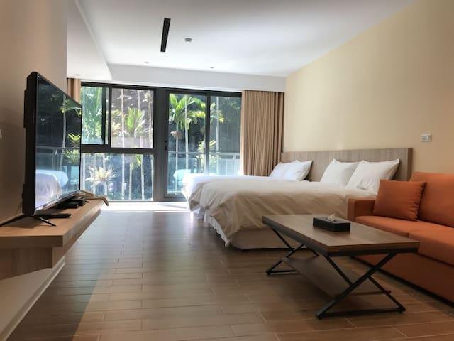 兩大床,每床尺寸150cm*180cm(5尺×6尺)